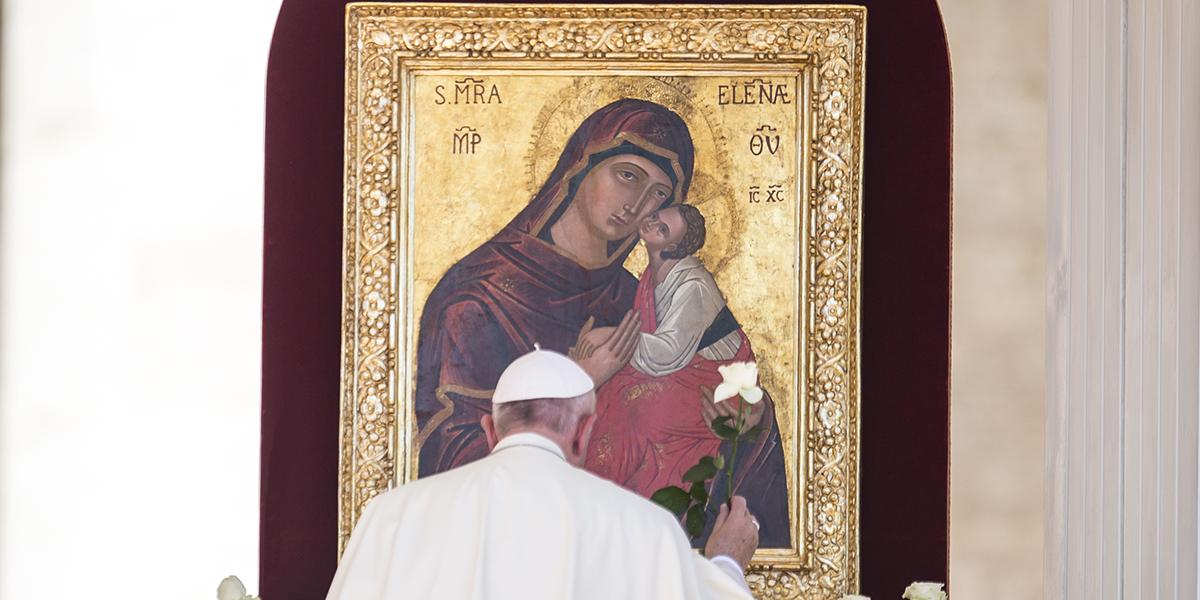 POPE PRAYING VIRGIN