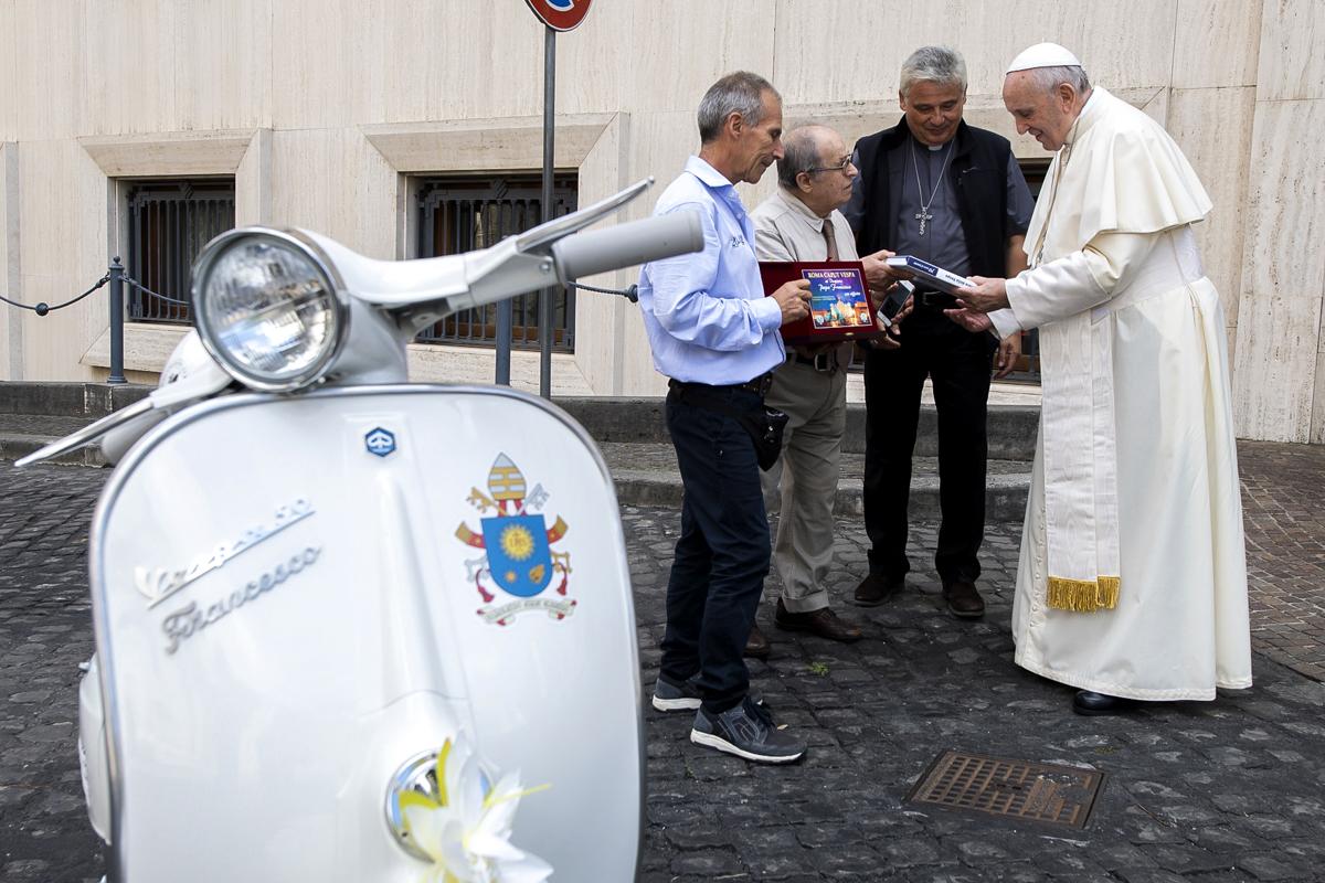 POPE VESPA
