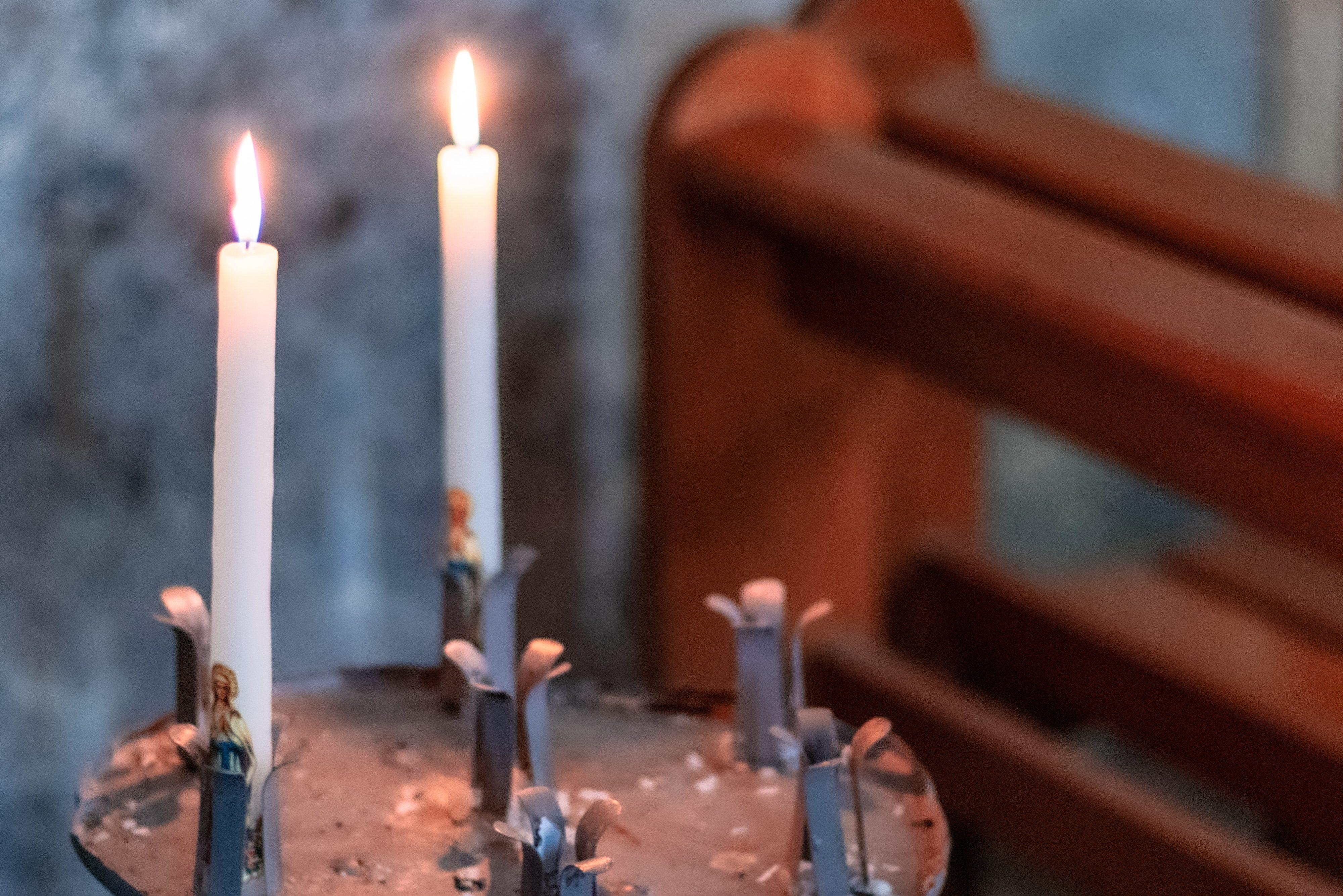 Świeczki w kościele