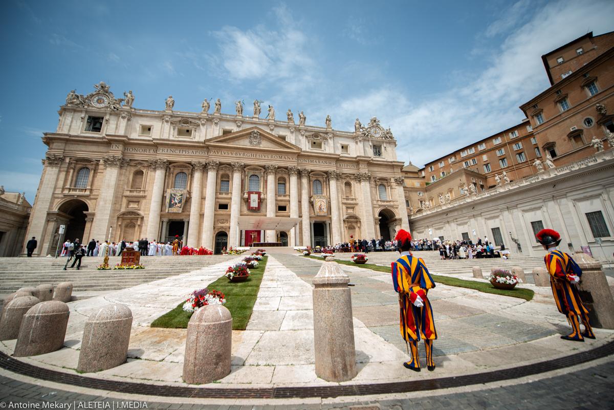 POPE FRANCIS - PENTECOST MASS - SUNDAY