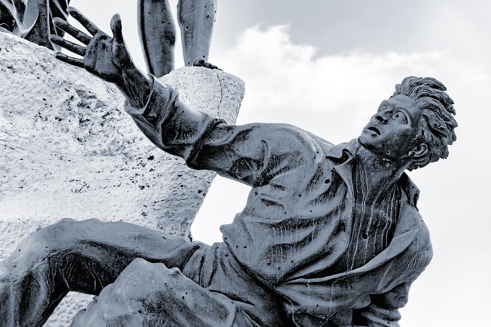 statue-.jpg