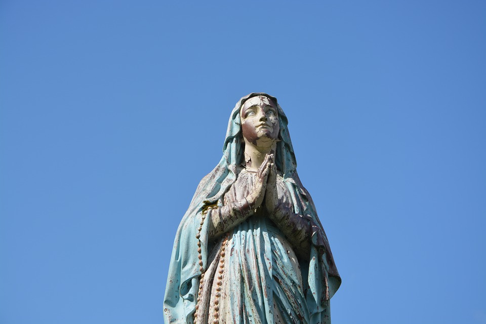 statue-holy-virgin.jpg