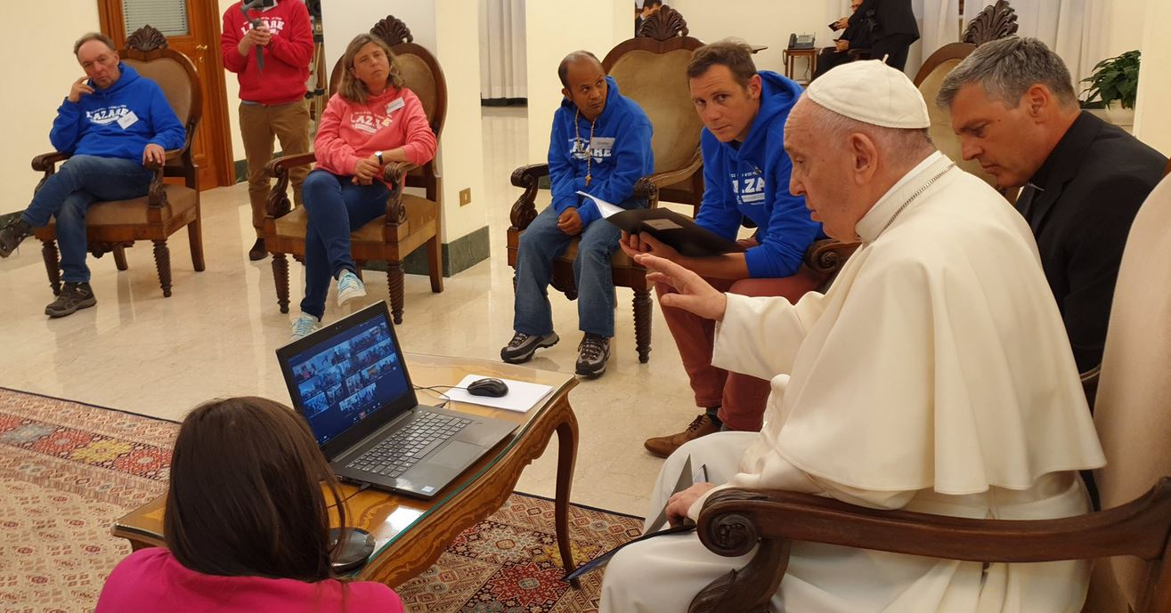 WEB2-VISIOCONFERENCE-POPE FRANCIS-LAZARE-TWITTER